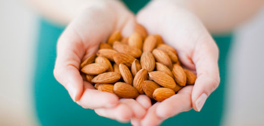 A handful of raw almonds