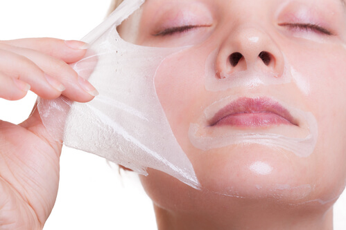 Salicylic acid peels are a popular method of use.